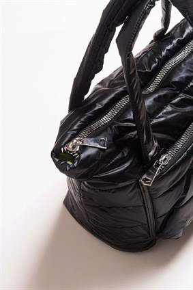 BERRY Black Puffy Bag