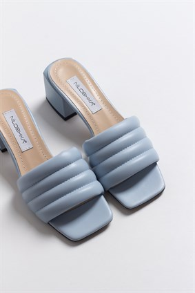 MARCIE Baby Blue Puffy Slipper