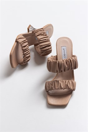 RAINE Nude Pleated Slipper